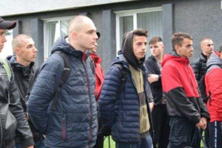 Перших новобранців з Рівненщини відправили до війська