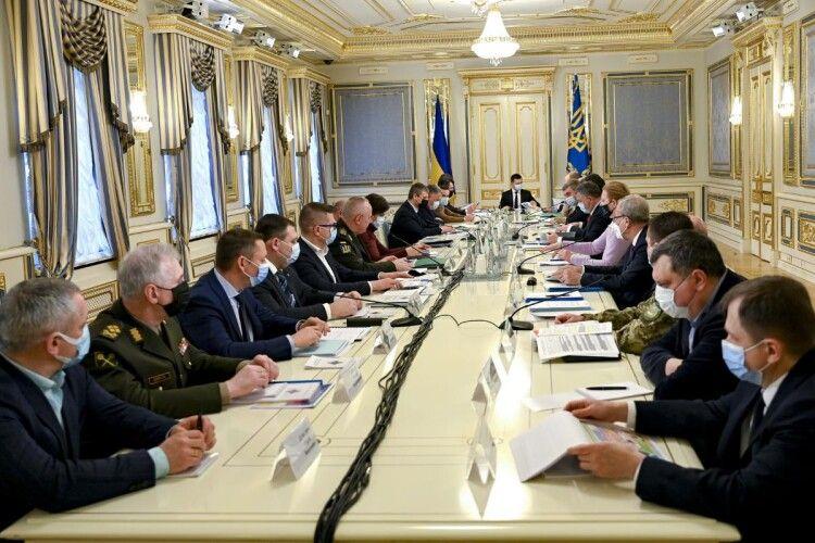 РНБО ухвалила рішення про запровадження жорстких санкцій проти десяти генералів та адміралів-зрадників