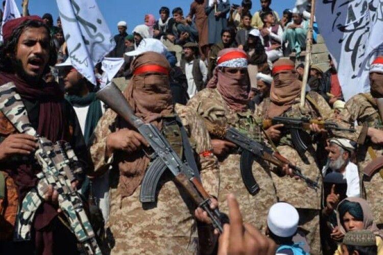 «Талібан» пообіцяв поважати права жінок, але «за законами ісламу»