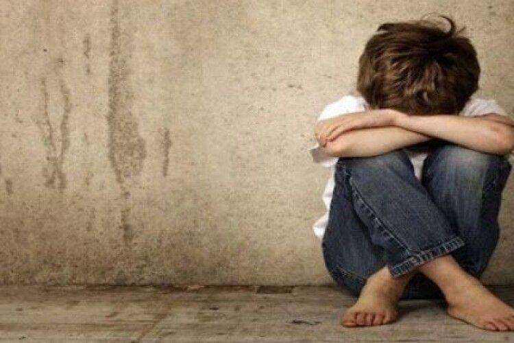 Волинянина засудили на 5 років за розбещення дитини (18+)