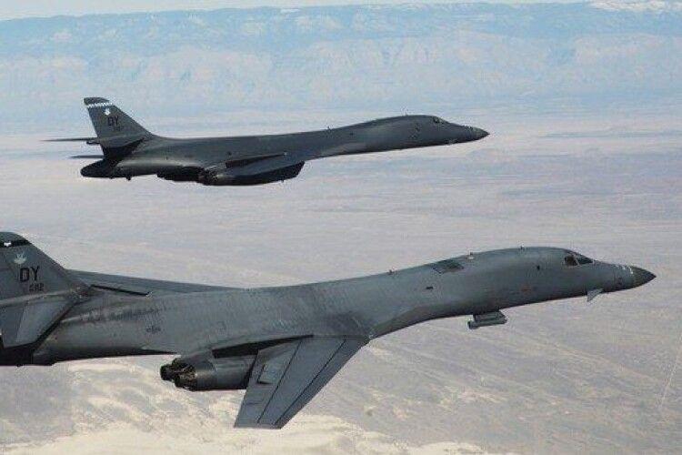 Вперше за 25 років: над Волинню пролетіли американські ядерні бомбардувальники (Відео)