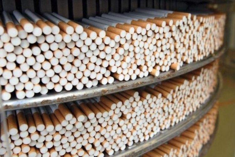 У Польщі на підпільній тютюновій фабриці затримали п'ятьох українців