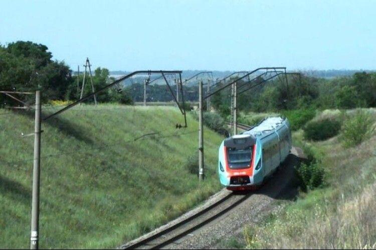 Укрзалізниця подовжує маршрут поїзда Ківерці–Івано-Франківськ до Коломиї