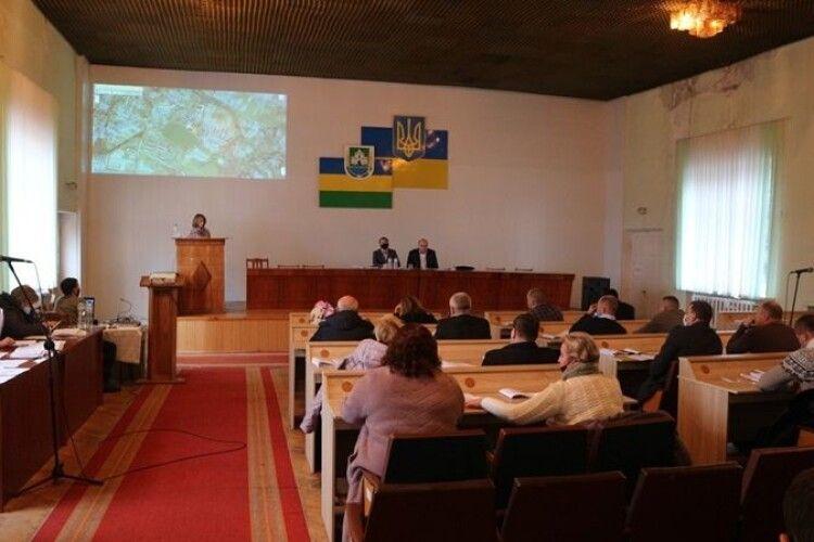 Любешівську лікарню взяли на баланс селищної громади і затвердили її фінансову підтримку