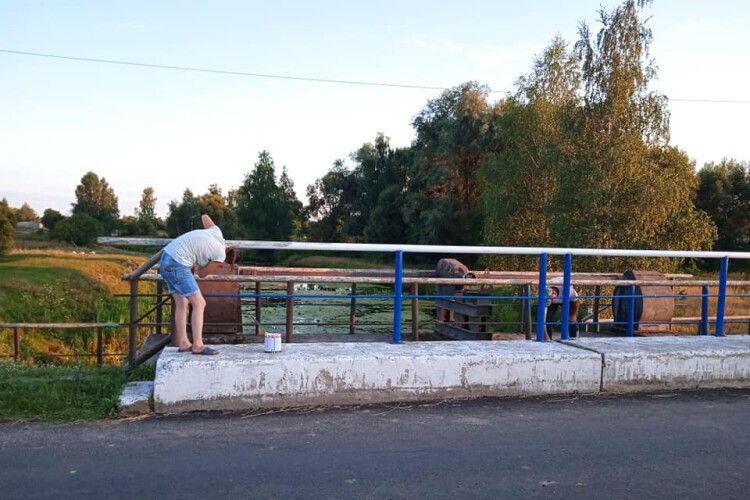 Сільський староста захищав країну від ворога на Донбасі, а на мирній Шаччині розбудовує села