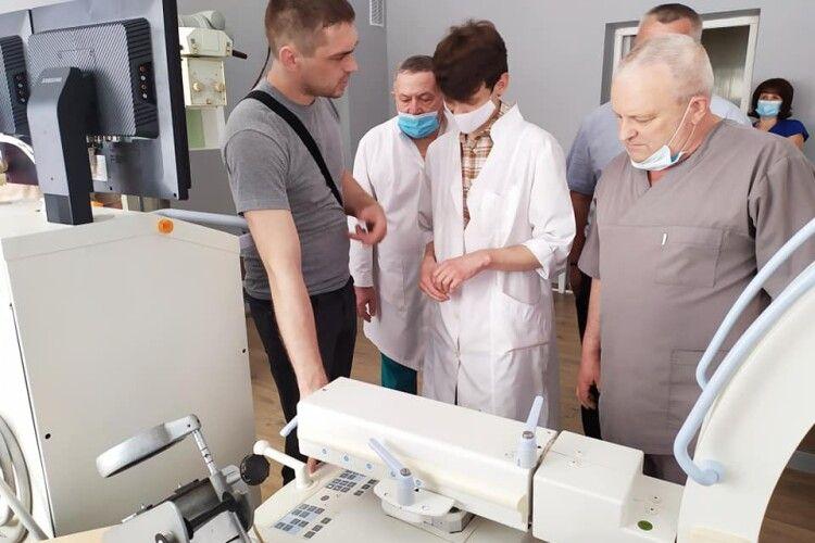 У Турійську люди купили мобільний рентген для своєї лікарні