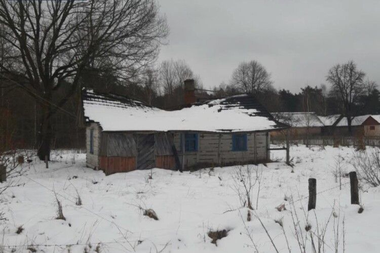 Дід Василь з Волині, від якого відвернулися родичі, ледве не замерз у холодній хаті (Фото)