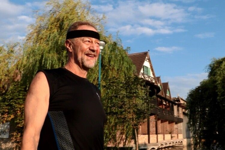 65-річний лікар пробіг півмарафон у Франції
