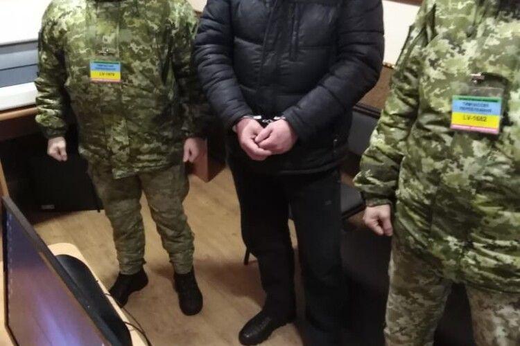 На кордоні з Польщею затримали українця, якого розшукували за умисне вбивство