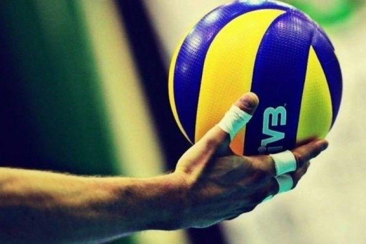 В Острозі стартував зимовий чемпіонат із волейболу