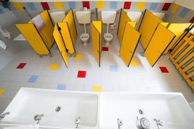 У школах та садках Ковеля – капітальний ремонт санвузлів