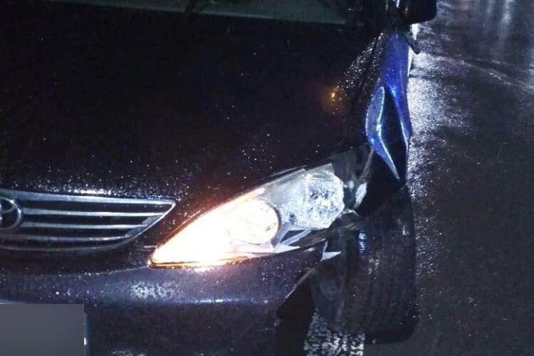 У Струмівці під Луцьком легковик збив чоловіка поза пішохідним переходом