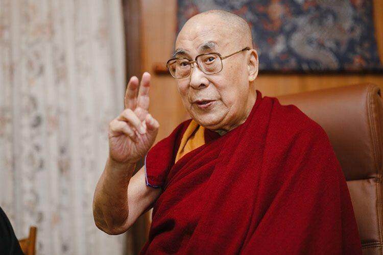 Якщо нічого не можна зробити, тоді просто приймаємо, – Далай-лама про коронавірус