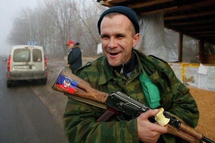 Російські офіцери на Донбасі вкрали зарплати бойовиків