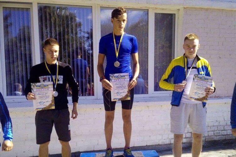Волинянин завоював «золото» Чемпіонату України з лижних гонок серед юнаків та дівчат в Чернігові (Фото)