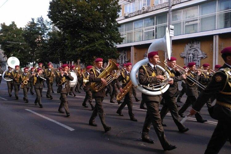 У Житомирі відбувсяпарад військових духових оркестрів