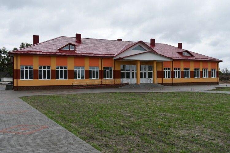 На Любешівщині реконструювали школу