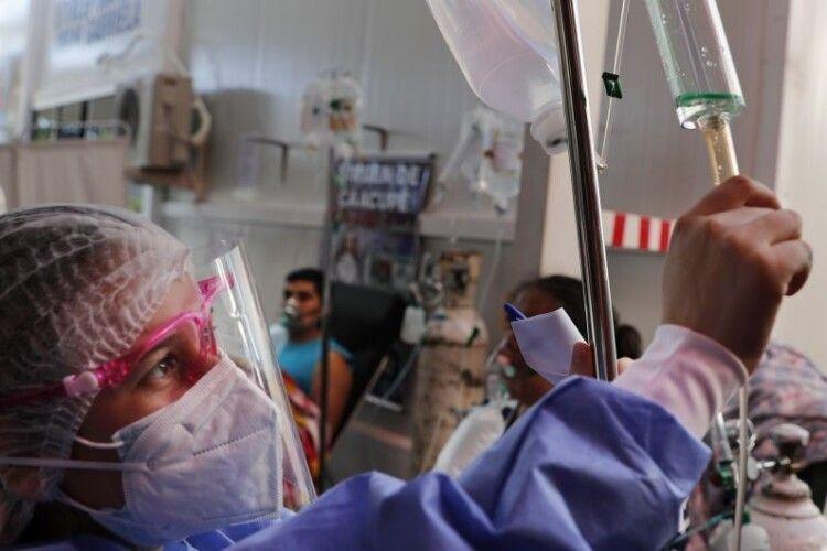 Шансів не заразитись від хворого немає, – лікар про небезпеку нових штамів коронавірусу