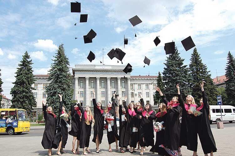 Які сертифікати потрібні, щоб стати студентом Східноєвропейського національного університету імені Лесі Українки