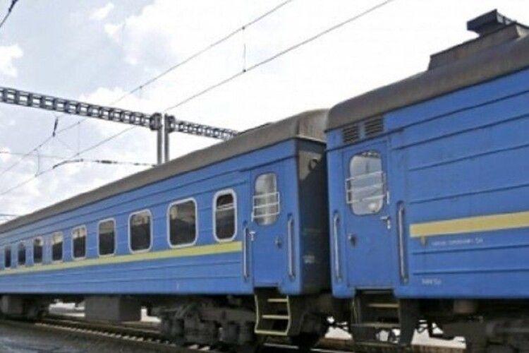 У розкладі руху двох приміських поїздів на Волині – зміни