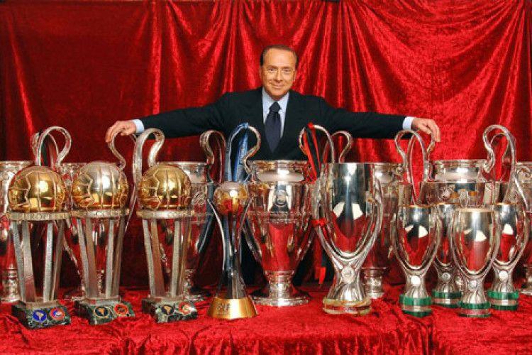 Берлусконі продав «Мілан» китайцям