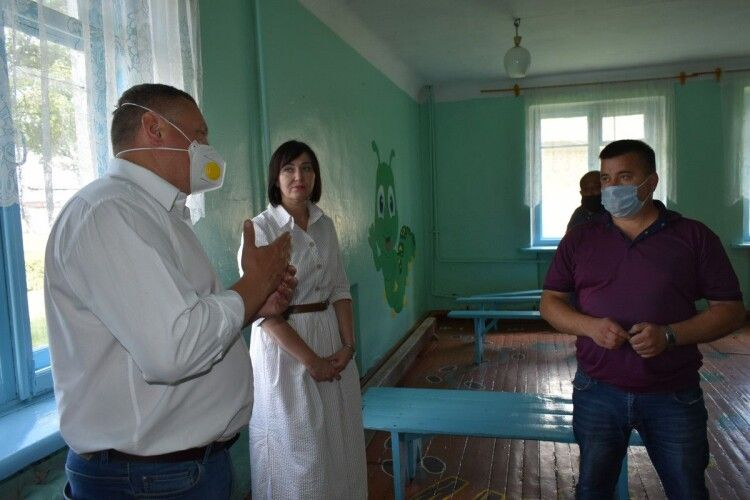 Погуляйко у Ратному: «Необхідно рятувати школу»