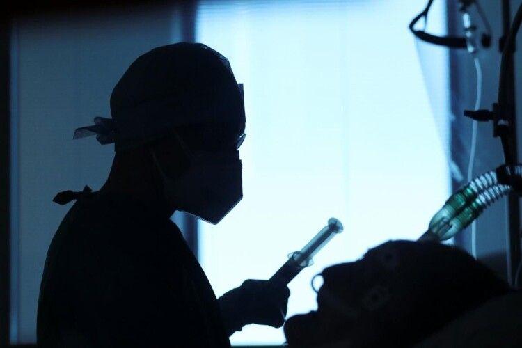 В Україні зафіксовано випадки повторного інфікування COVID-19