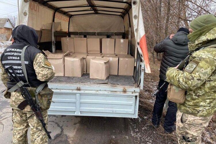 У зоні ООС затримали вантажівку з тонною спирту