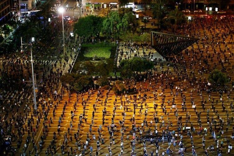 Протестувальники, дотримуючись правил карантину, не порушили соціальну дистанцію