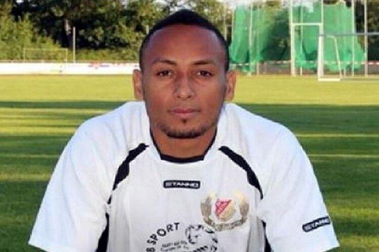 Футболіст німецького «Шальке», який загинув 2016 року в Конго, виявився... живим-живісіньким
