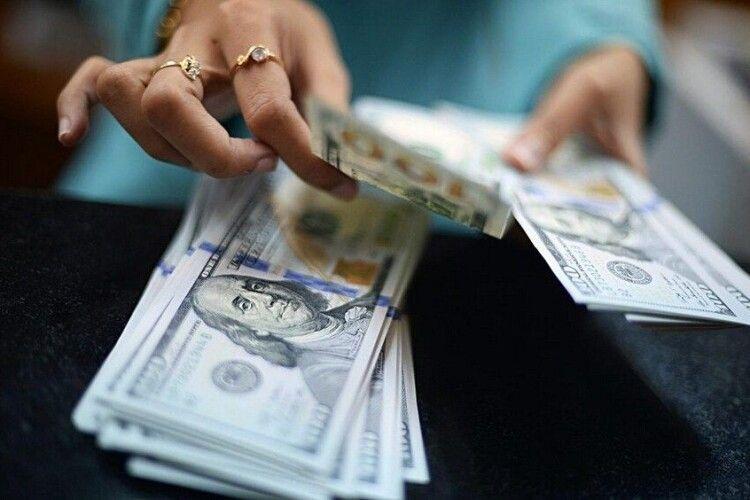 Працівниця банку на Волині привласнила майже 32 тисячі гривень клієнта