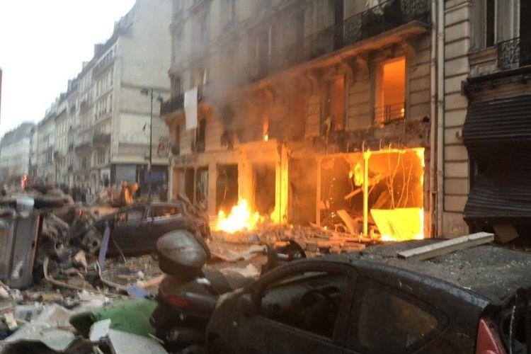 У центрі Парижа стався потужний вибух