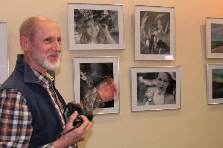 Натюрморти, пейзажі, портрети – презентували у арт-галереї волинські фотомитці