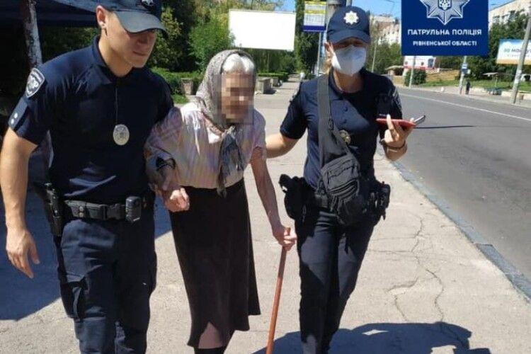 Поліцейські роти ТОР врятували бабусю