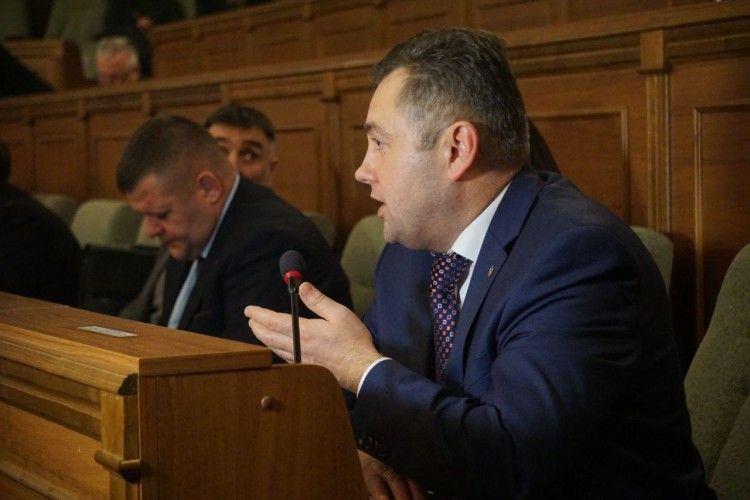 На завершення сесії - Петра Савчука виключили з УКРОПу