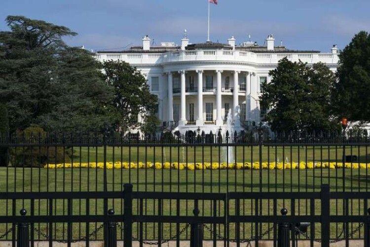 Білий дім заморозив надання Україні військової допомоги на 100 млн дол