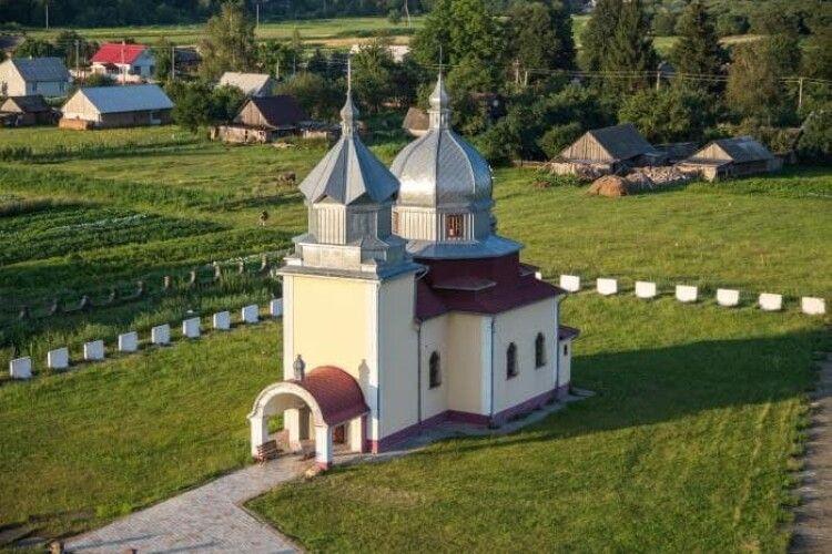 Священник Московського патріархату на Волині відмовився причащати дітей та запропонував перехрещуватися