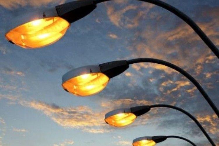 Лучани вимагають більше світла
