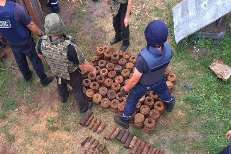 Чоловік збирав боєприпаси, від вибуху яких загинули двоє його внуків…