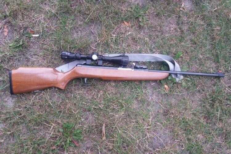 На Волині затримали торгівця зброєю