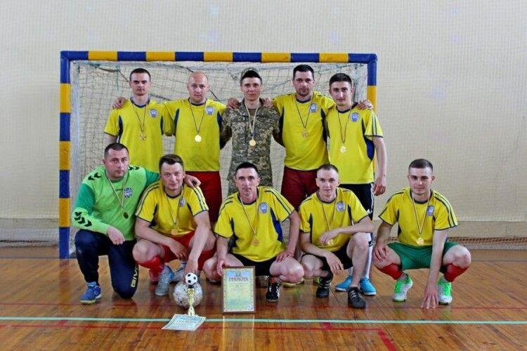На змаганнях з футзалу перемогли волинські військові