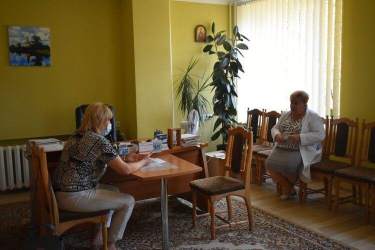 Волинська ОДА ініціює пошук грошей для виплати працівникам психлікарні заборгованої зарплати