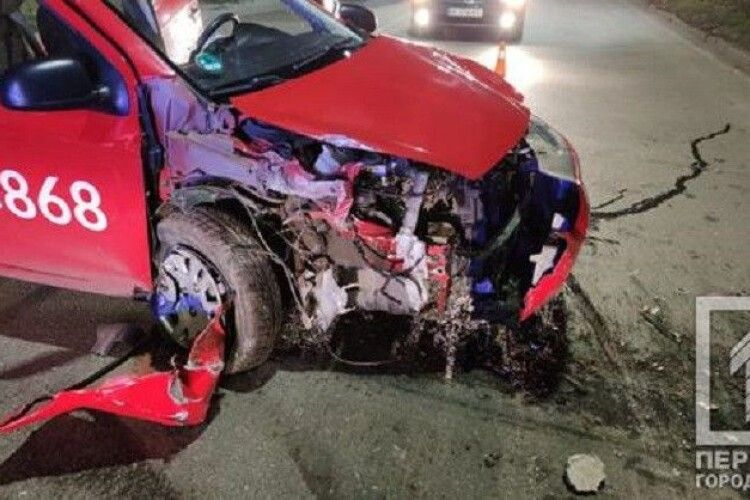 Несла чоловікові капці: жінка бігла до швидкої і загинула під колесами автівки