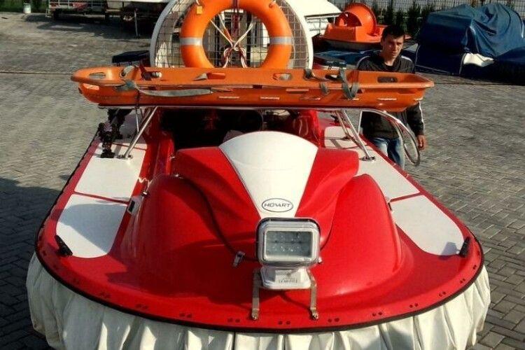 Рятувальники Рівненщини одержали сучасне судно на повітряній подушці «Tornado F50 LONG» (Відео)