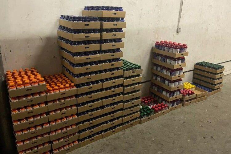Волинські митники виявили спробу незаконного ввезення харчових добавок на понад 1 мільйон гривень