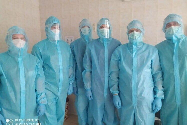 Коронавірус в Україні: знову антирекорд, 1489 випадків. На Волині +64