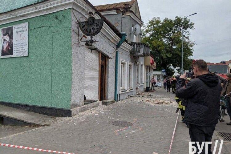 Через обвал 100-літнього будинку у Володимирі перекрили частину вулиці