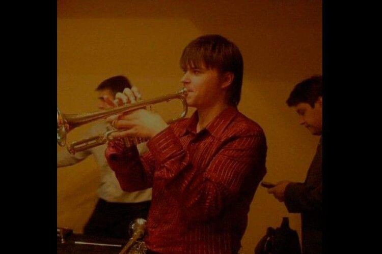 Загиблий у ДТП хлопець був педагогом і музикантом. У нього залишилося двоє малолітніх дітей (Фото)