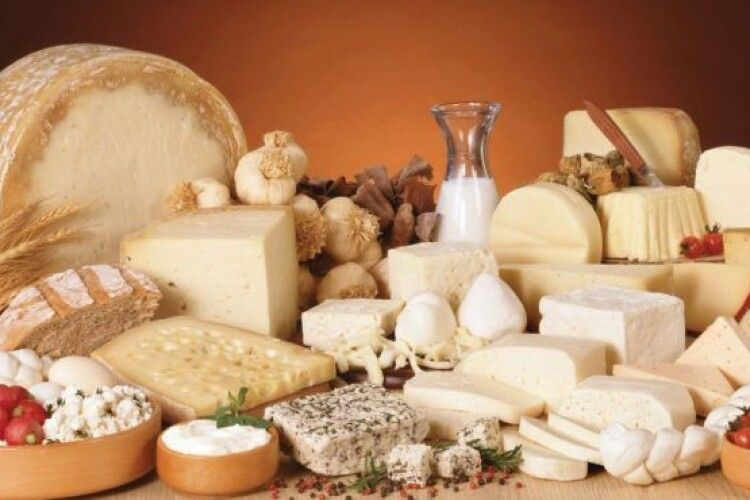 Які сири та з яких країн найбільше їдять українці