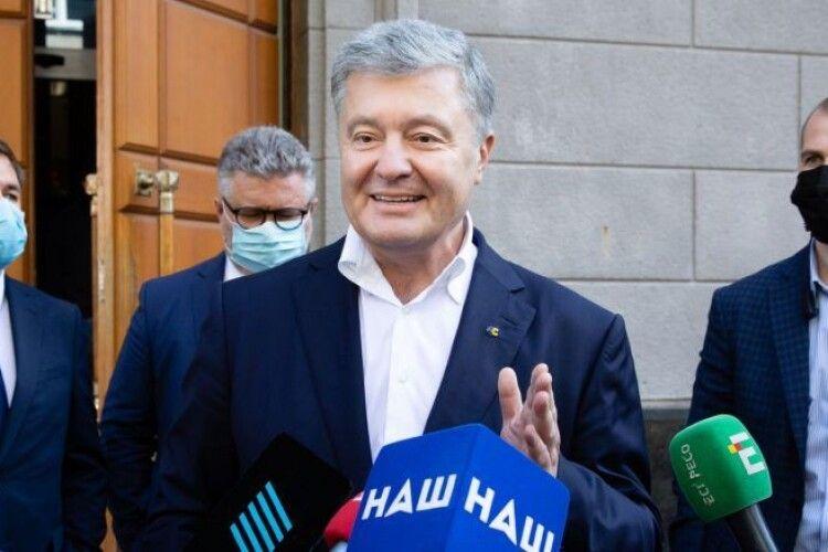 Порошенко після допиту: нехай Зеленський пояснить, чому зараз Україна купує вугілля в окупантів